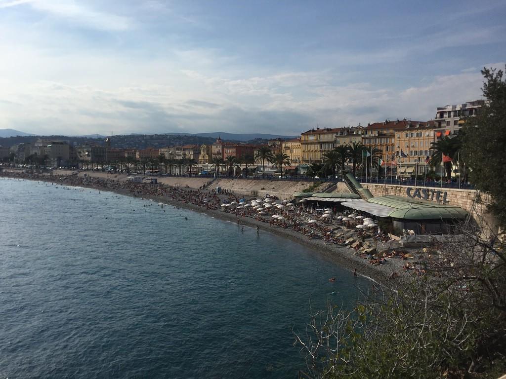 Vista da Praia Castel Plage em Nice