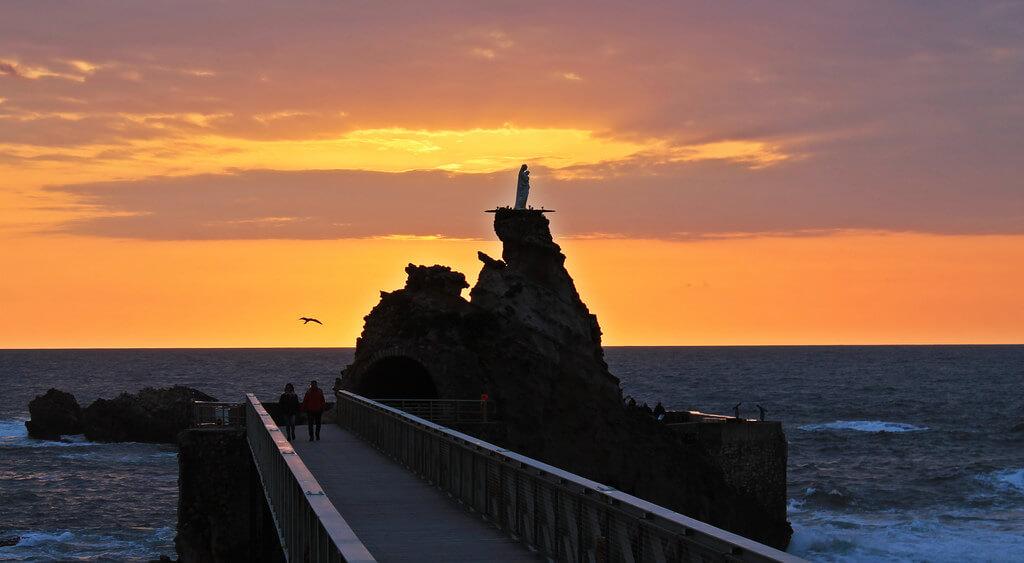 Rocher de la Vierge em Biarritz