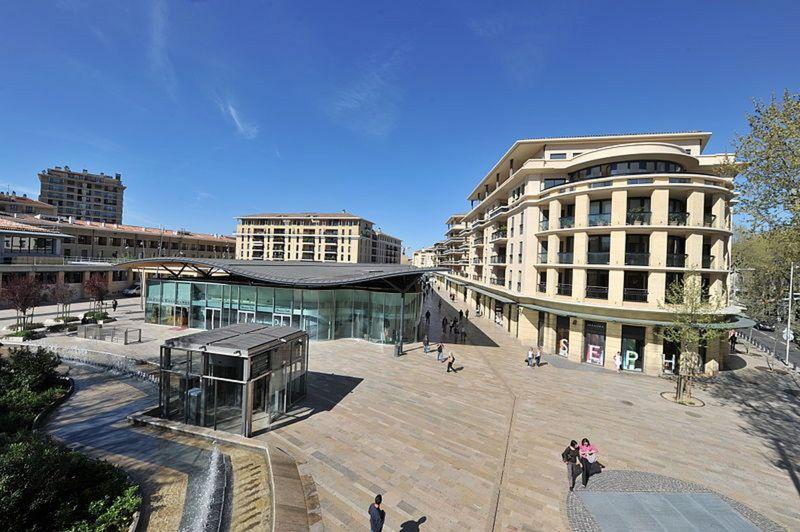 Les Allées Provençales em Aix