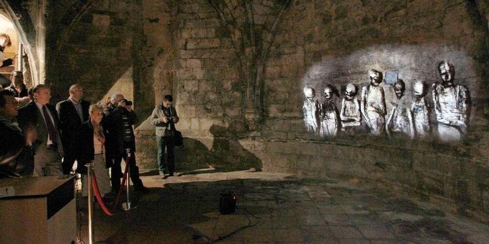 Exposição no interior da cripta