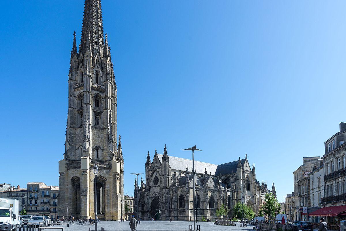 Torre da Basílica Saint-Michel