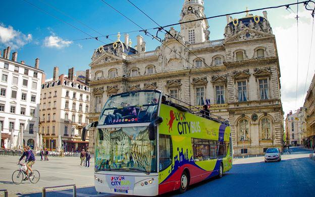 Vista do ônibus turístico em Lyon