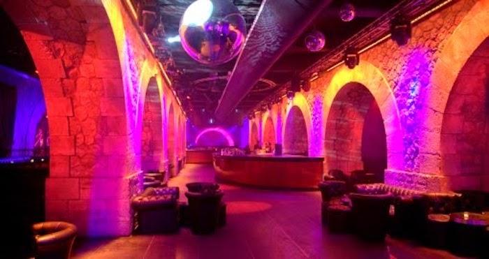 Balada Showcase em Paris