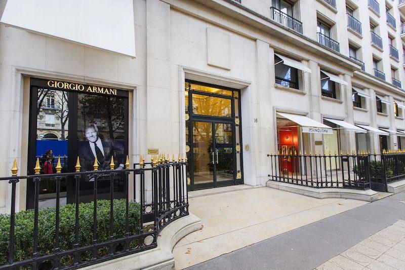 Loja Giorgio Armani na Avenida Montaigne em Paris