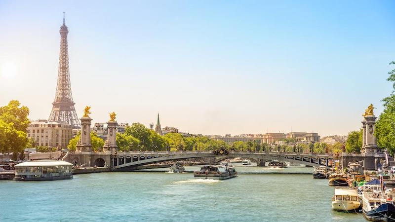 Verão em Paris na França