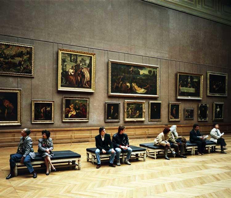Exposição no Museu do Louvre em Paris