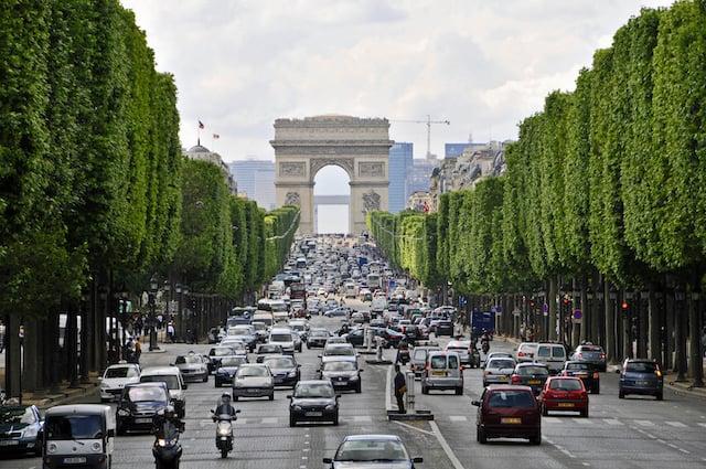 Avenida Champs-Elysées em Paris
