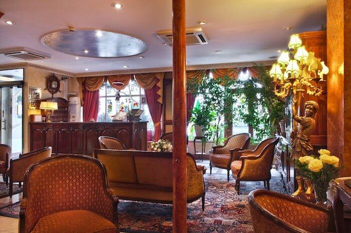 Sala do Hotel Minerve em Paris