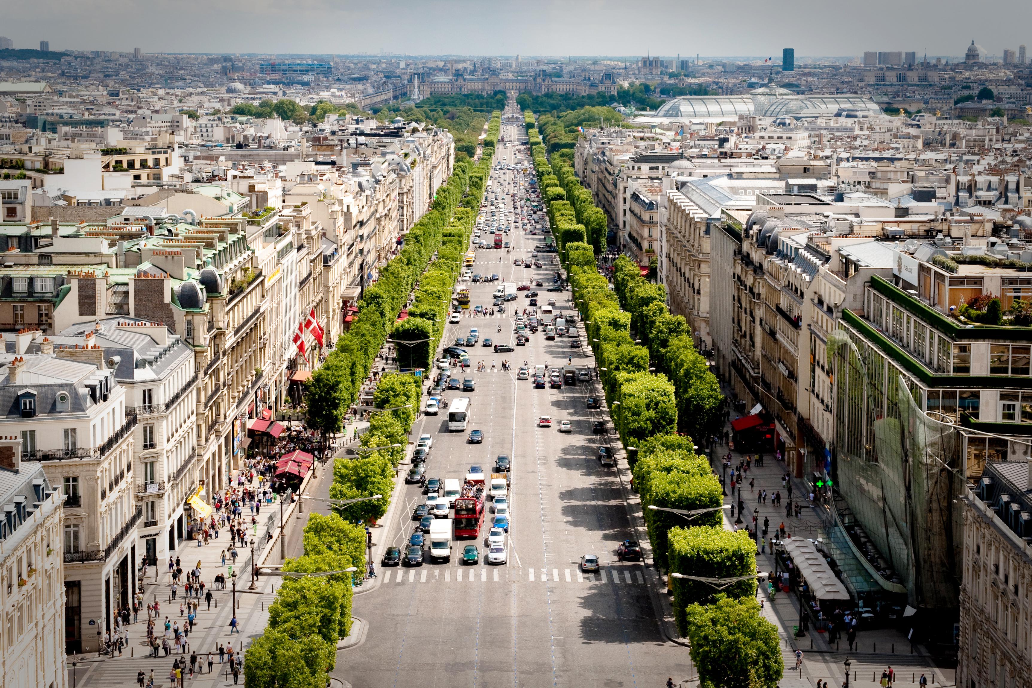 Região da Champs-Élyssés em Paris
