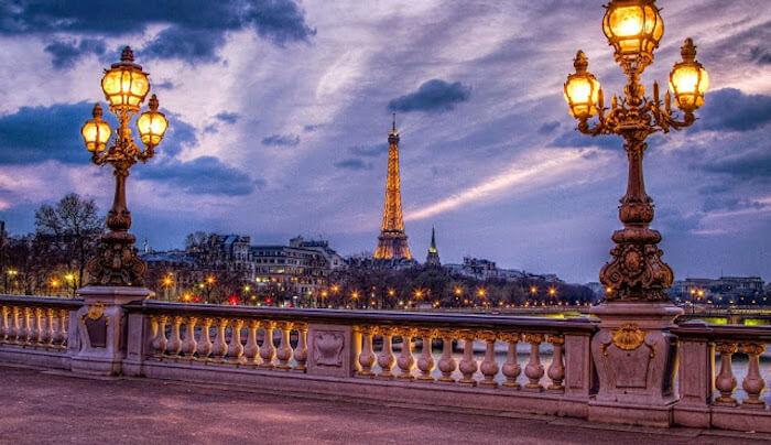 Vista ao anoitecer em Paris