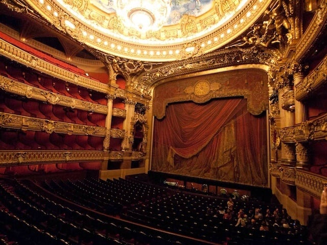 Sala de espetáculos da Ópera Garnier em Paris