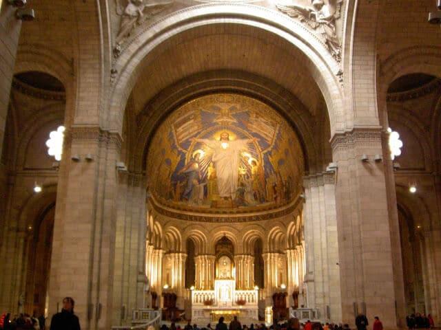Interior da Basílica Sacré Coeur
