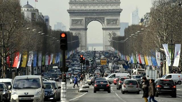 Dicas para pegar a estrada em Paris e documentos necessários para dirigir