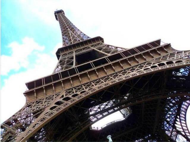 Que língua se fala em Paris