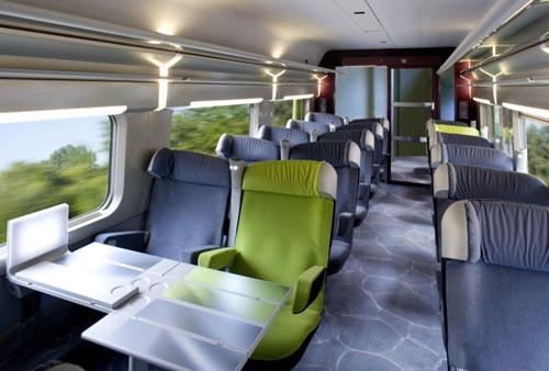 Viagem de trem de Paris a Porto