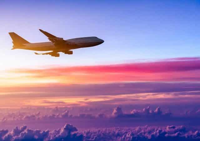 Viagem de avião para Paris na França