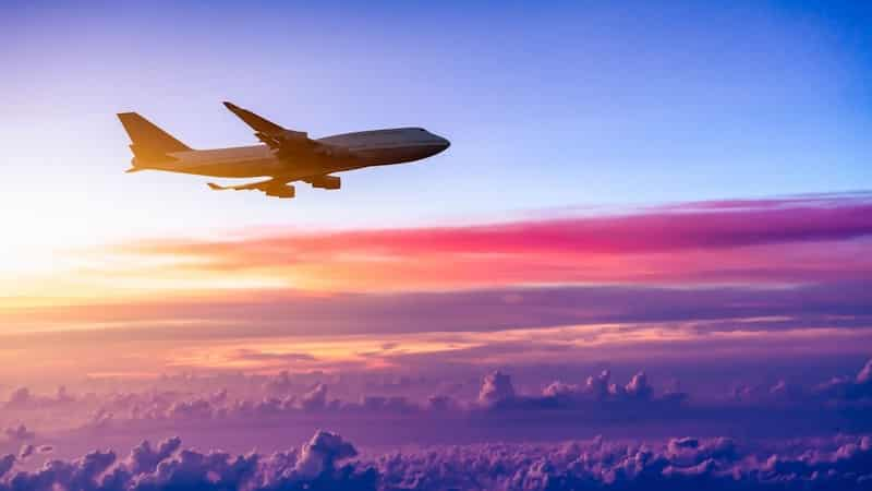 Avião para Paris na França