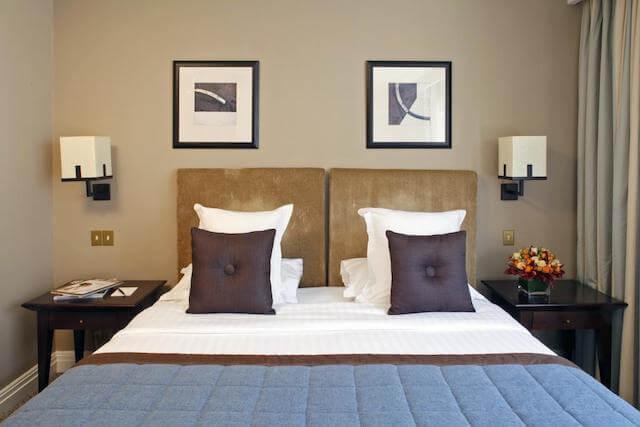 Hotel Warwick Champs-Elysses em Paris - quarto