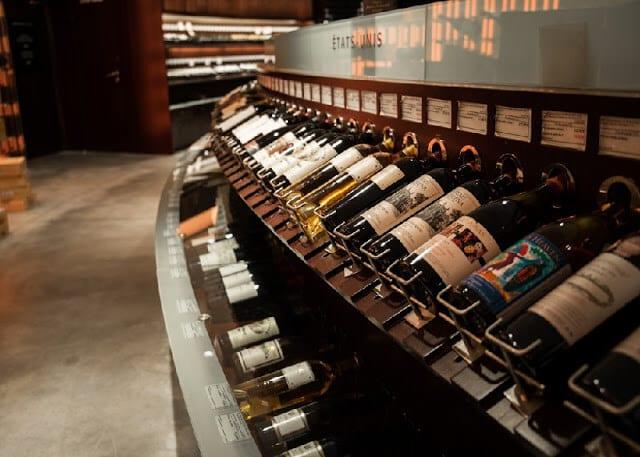 Loja de vinhos Lavinia em Paris