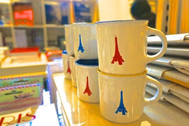 Xícaras com a Torre Eiffel - Paris