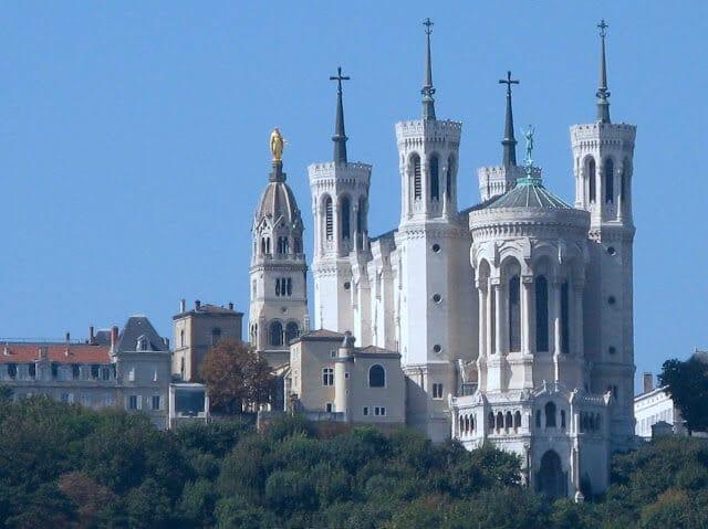 Conheça a Basílica Notre Dame de Fourvière em Lyon na França