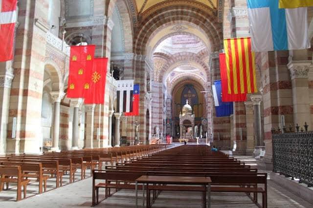 Interior da Catedral de Marselha