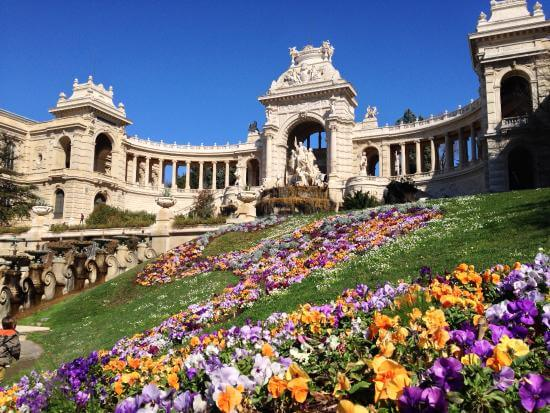 Palácio Longchamp na primavera