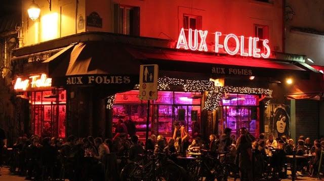 Café Aux Folies no bairro Belleville em Paris