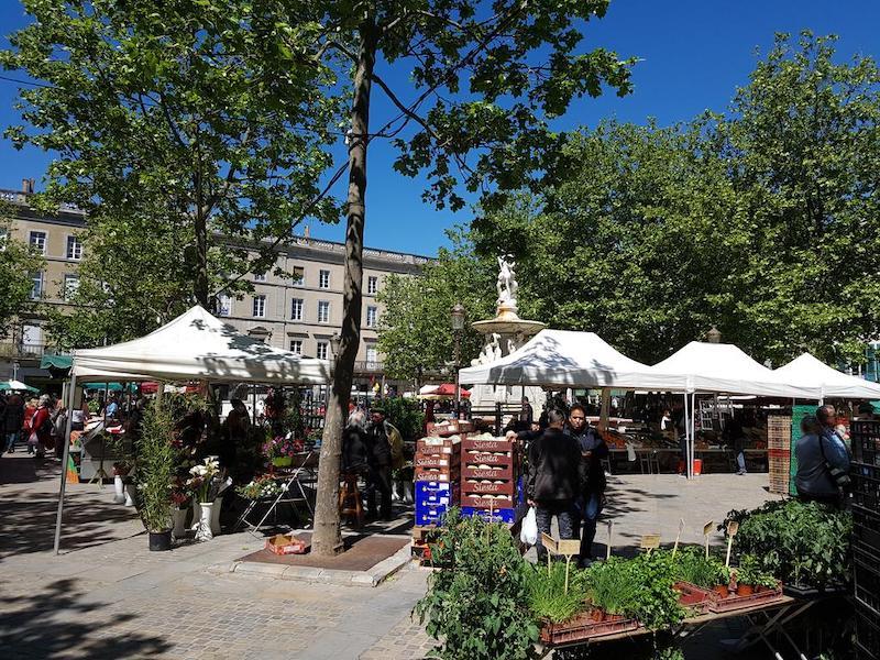 Praça Carnot em Carcassonne