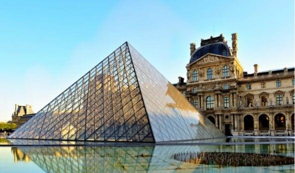 Museu Louvre em Paris