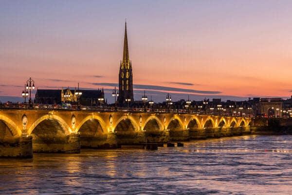 Pont de Pierre de Bordéus