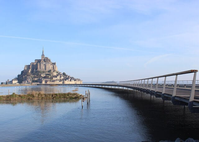 Caminho para Mont Saint Michel