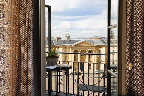 Vista do Hotel des Grands Hommes em Paris