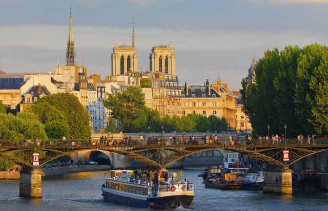 Vista de Paris em Setembro
