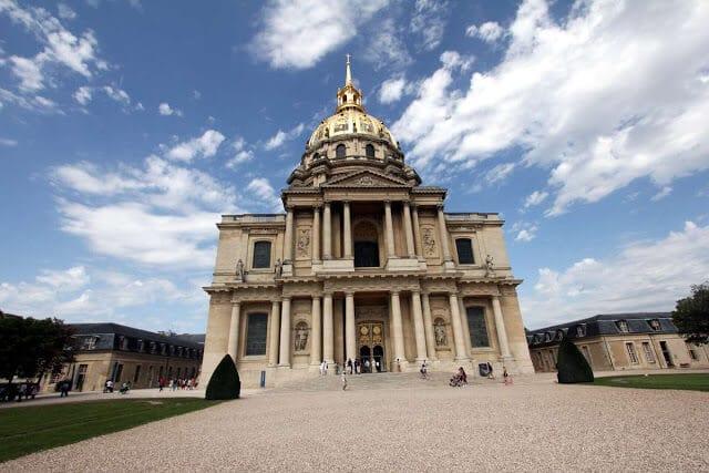 Igreja Dôme a partir do Sena
