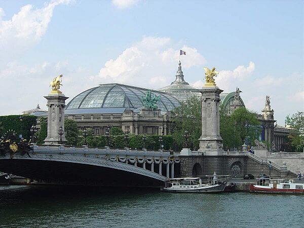 Grand Palais e Petit Palais a partir do Sena