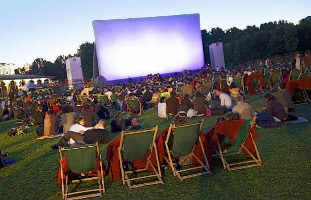 Cinema ao ar livre no Parc de la Villette