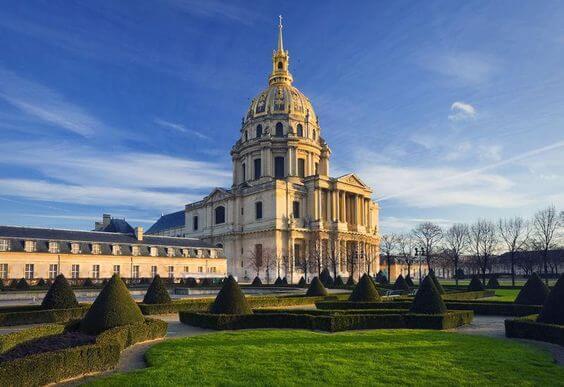 10 vistas em Invalides e Torre Eiffel em Paris