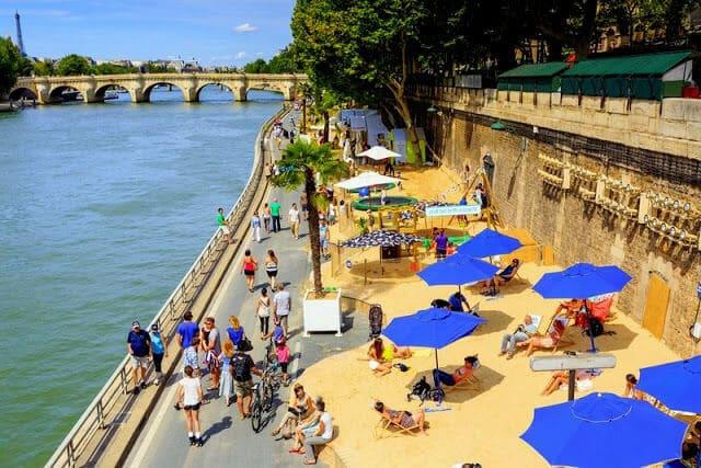Praia em Paris