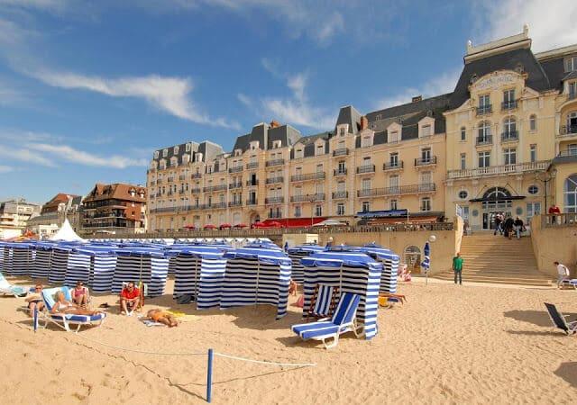 Praias perto de Paris em maio