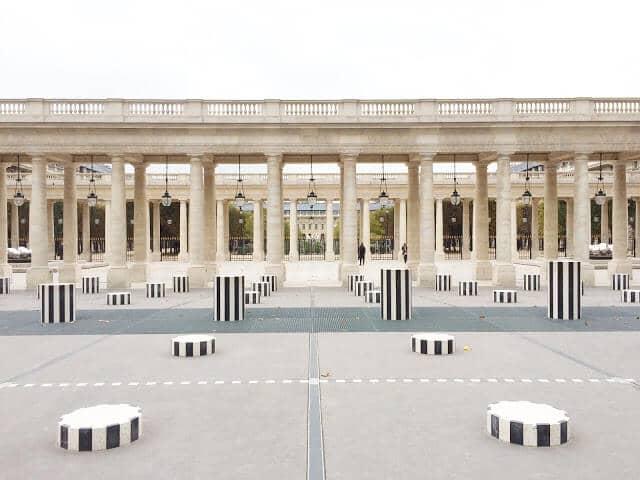 Pátio do Palais Royal em Paris