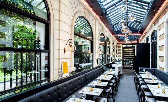 Restaurante Le Café Artcurial na Champs-Élysées