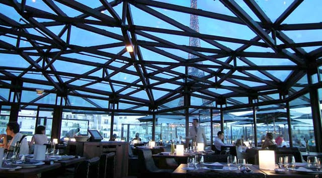 Restaurante Les Ombres em Paris