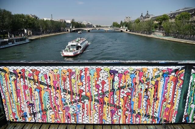 Pont des Arts em Paris com artes