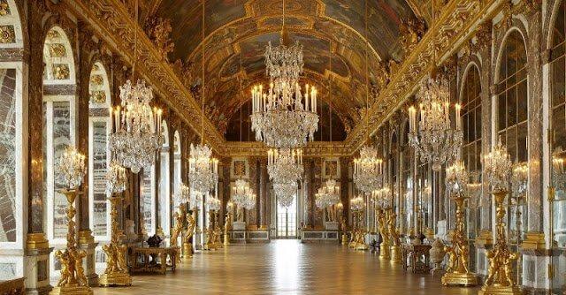 Galeria dos espelhos em Versalhes