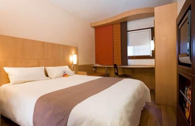 Hotéis bons e baratos em Versalhes