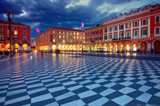 Praça Place Massena em Nice