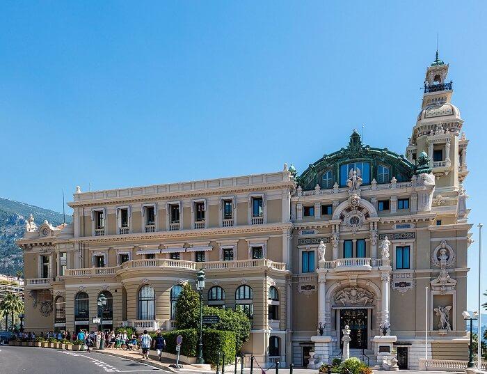 Lateral da Ópera de Monte Carlo em Mônaco