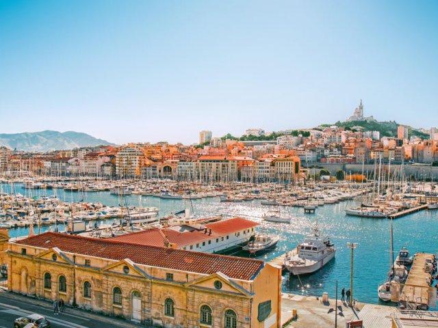 Quanto custa uma passagem aérea para Marselha