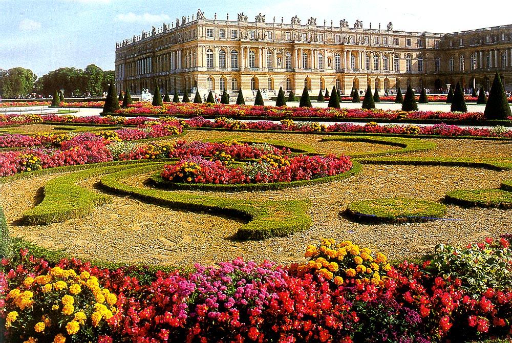 Jardim de Versalhes com flores